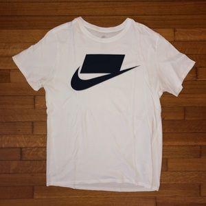 NIKE Box Logo T-Shirt